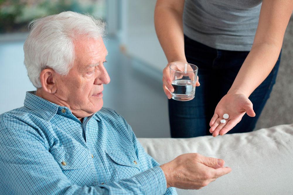renouvellement medicaments personne agee